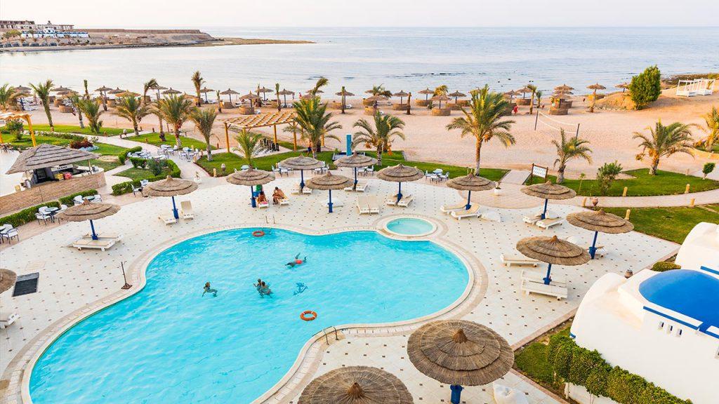 Aussenanlage mit Pool, Coral Sun Beach